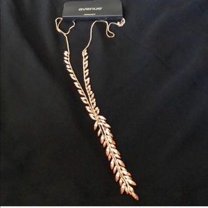 NWT Avenue Rose Gold Fashion Necklace